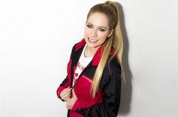 Avril Lavigne aprende a tocar bandolim #Cantora, #Instagram, #M, #Música, #Noticias, #Popzone, #Vídeo http://popzone.tv/2016/03/avril-lavigne-aprende-a-tocar-bandolim.html