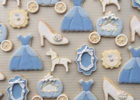 引菓子からプチギフトまで*アイシングクッキーは、まるで芸術♡アイシングクッキーはこんなに可愛いデザインまでできるんです♩