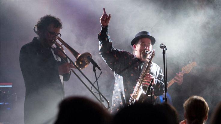 """""""Backbeat"""" heißt das brandneue Doppelalbum, das der Osnabrücker Saxophonist Tommy Schneller am 26. Februar im Rosenhof vorstellt."""