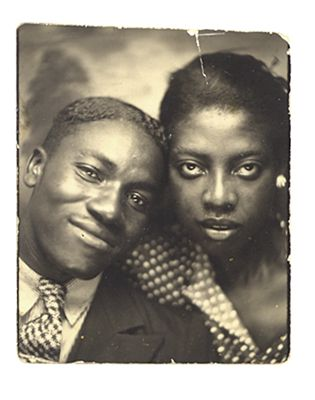 1930s - Great photobooth couple.