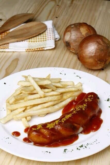 "Have you heard about our ""Currywurst""? Which would you try? Chicken, beef or pork? More info here https://twitter.com/stark_beer"