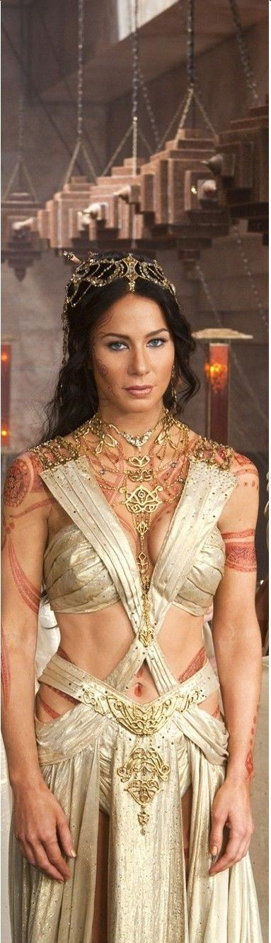 Dajeh Thorus Dress from Disney's John Carter - I like the concept of the dress but don't like the cheesey adornments