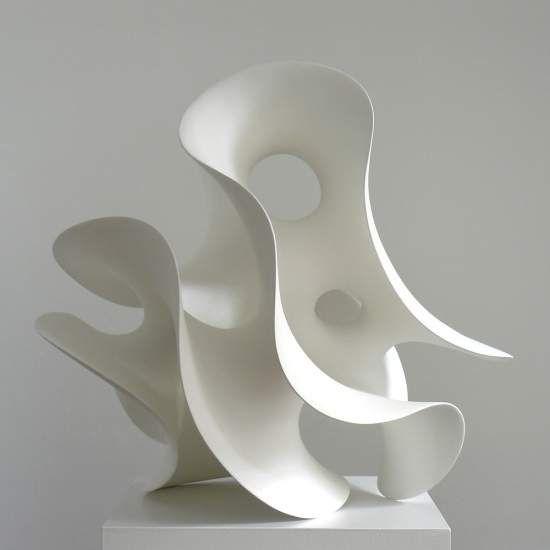 Eva Hild — Puls Ceramics Sjukt snygga statyer. Representerad på MOMA.