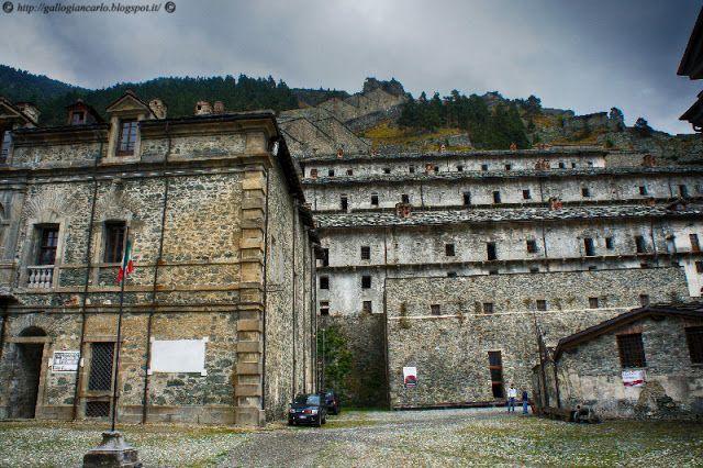 forte di fenestrelle fotografie Ecco una serie di fotografie riguardanti il forte di Fenestrelle, situato, appunto nel comune di Fenestrelle in Val Chisone