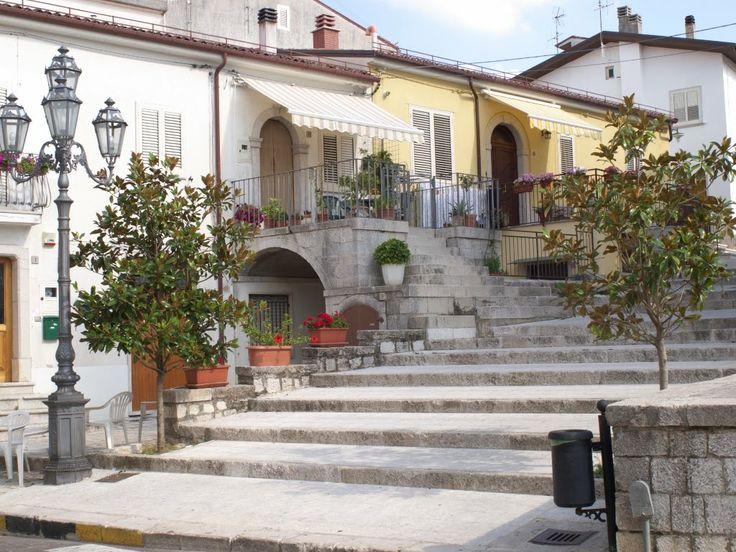 Pescopagano - scorcio Piazza Sibilla