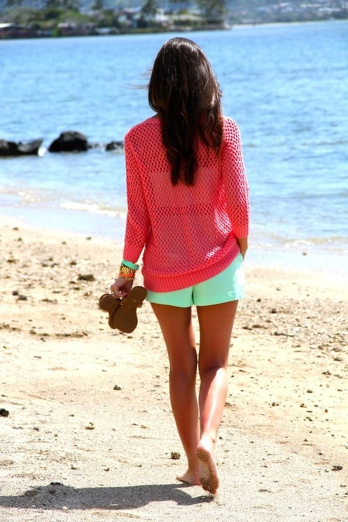 Love love love. Mint shorts + loose knit coral sweater