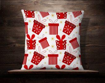 Rudolph en blanco Almohada Navidad Almohada por iwantitalldesign
