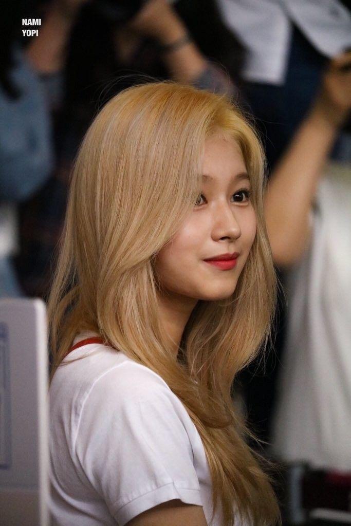 Pin By L0vezone On Sana Hair Asian Beauty Kpop Girls