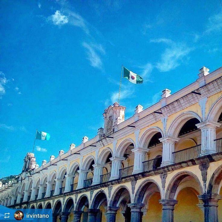 http://OkAntigua.com #Follow @irvintano: #Antigua's flag flies high! 2 - 1 win for the local #futbol team in the finals! #Guatemala #ILoveAntigua #AmoAntigua #Travel #AntiguaGuatemala #CentralAmerica #Travel #soccer