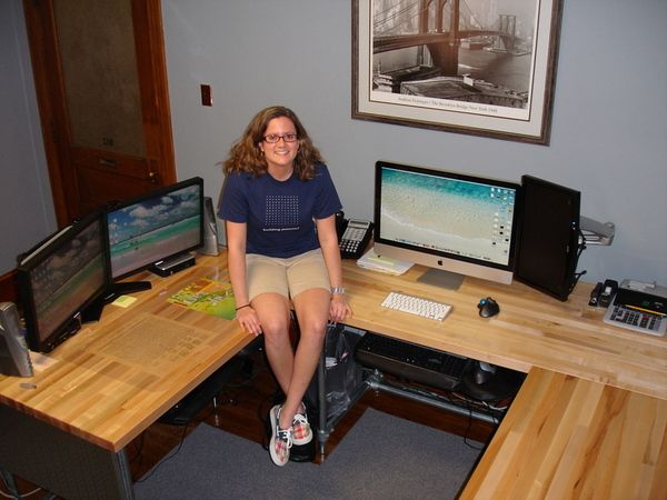 316 best images about pipe desks on pinterest custom for Wrap around desk plans