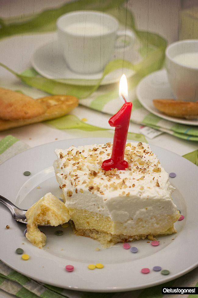 I aniversario del Desafío en la cocina, compartimos con vosotros las 66 tartas diferentes que cada uno hemos preparado. En mi caso la tarta Charlota.
