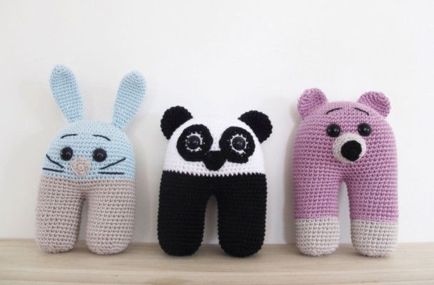 These cute huggable crochet amigurumi are great first baby and toddler toys before moving onto more posable ones. Try it out with Modern Baby yarn.
