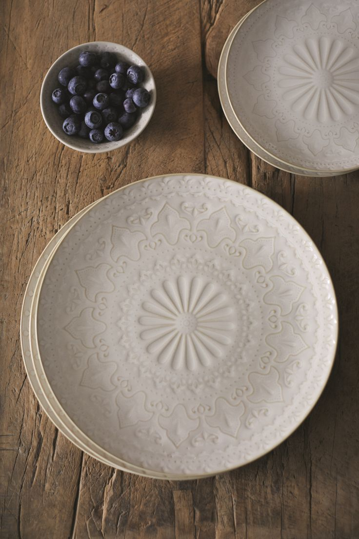 Since when did the everyday plates get so chic?