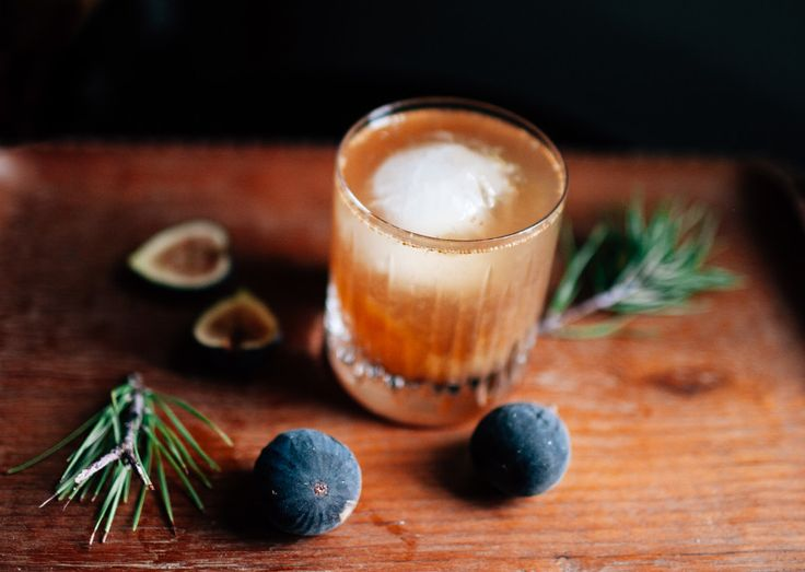 fig old fashioned cocktail