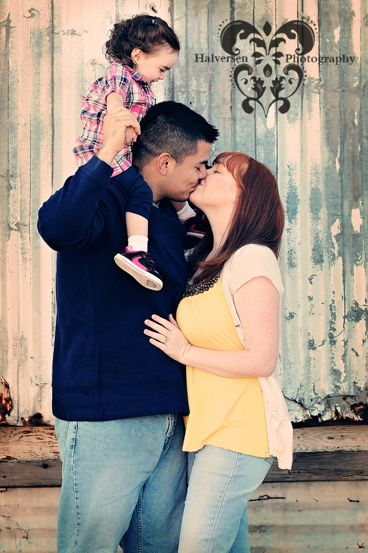 Family pictures , kiss