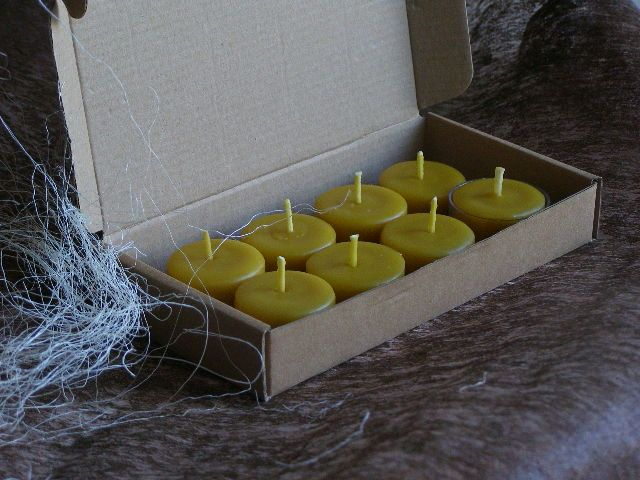 Tealight Candle set of 8 Pure Beeswax Candles. Burning time up to 3 hours | Beeswax Candles