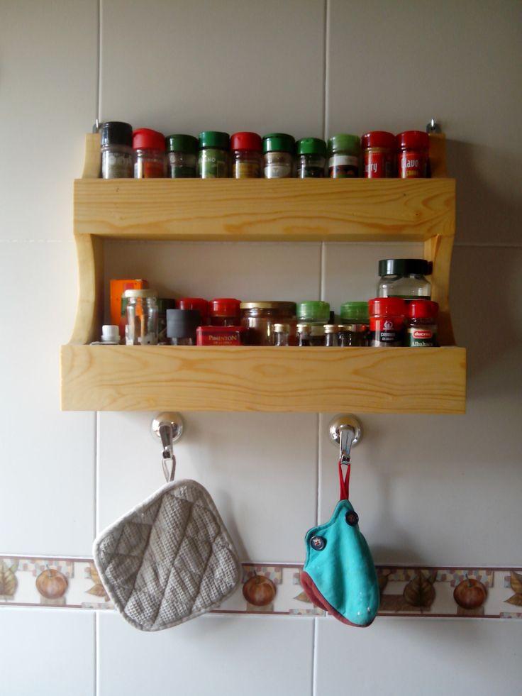 Especiero maderapinosoria mobiliario con madera for Articulos cocina originales