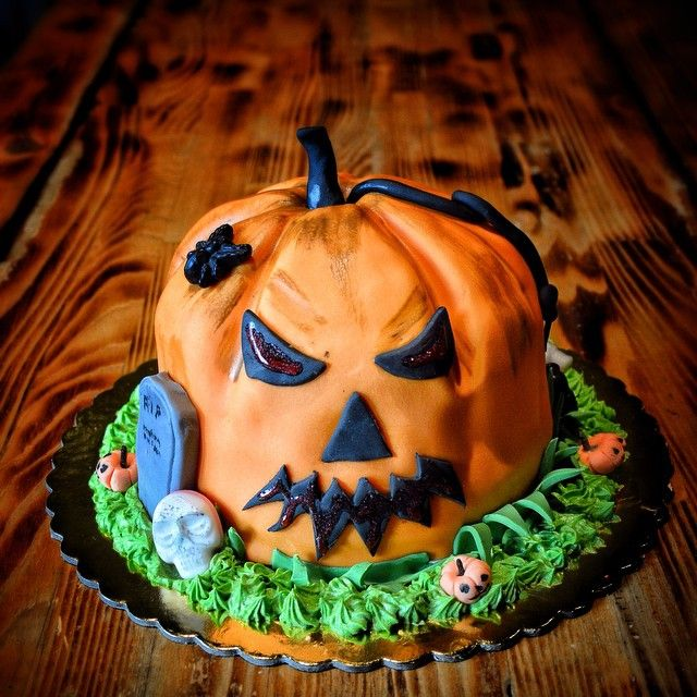 Pumpkin Birthday Cake.  Let's have a SpookTacular time!!!