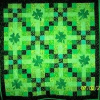Irish quiltQuilt Inspiration, Irish Quilt, Quilt Ideas, Lucky Charms, Chains Pattern, Irish Chains, Charms Quilt, Ireland Quilt, Charm Quilt