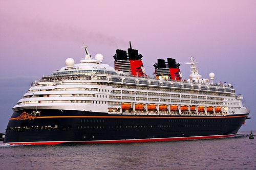 Disney Cruise! Mom was planning on taking Landon on a cruise for his 5th birthday :(: Disney Dreams Cruises, Disney Magic, Favorite Crui, Crui Boats, Favorite Places And Spac, Disney Vacations,  Ocean Liner, Adorable Cruises, Disney Cruises