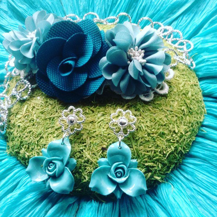 Collana e orecchini floreali