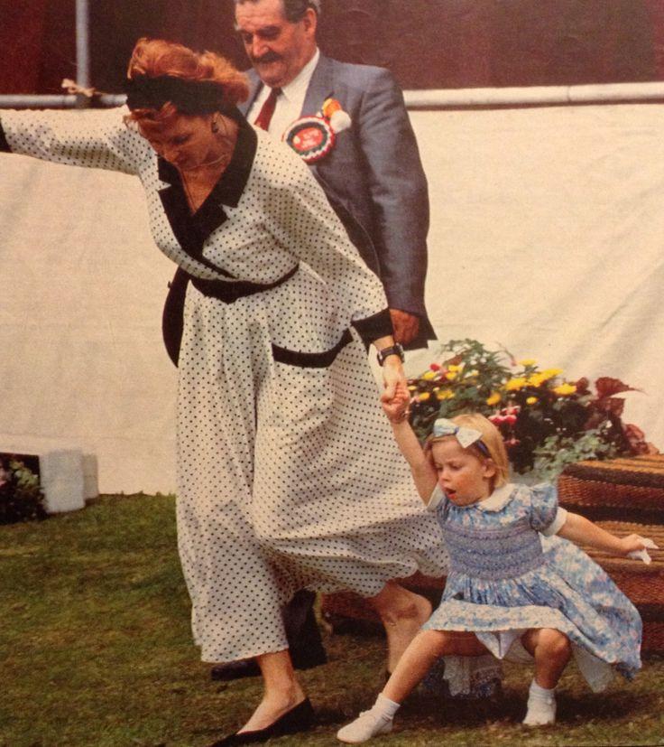 Sarah Duchess Of York And Princess Beatrice 1991