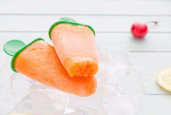 Helados de zanahoria y naranja con crema espesa