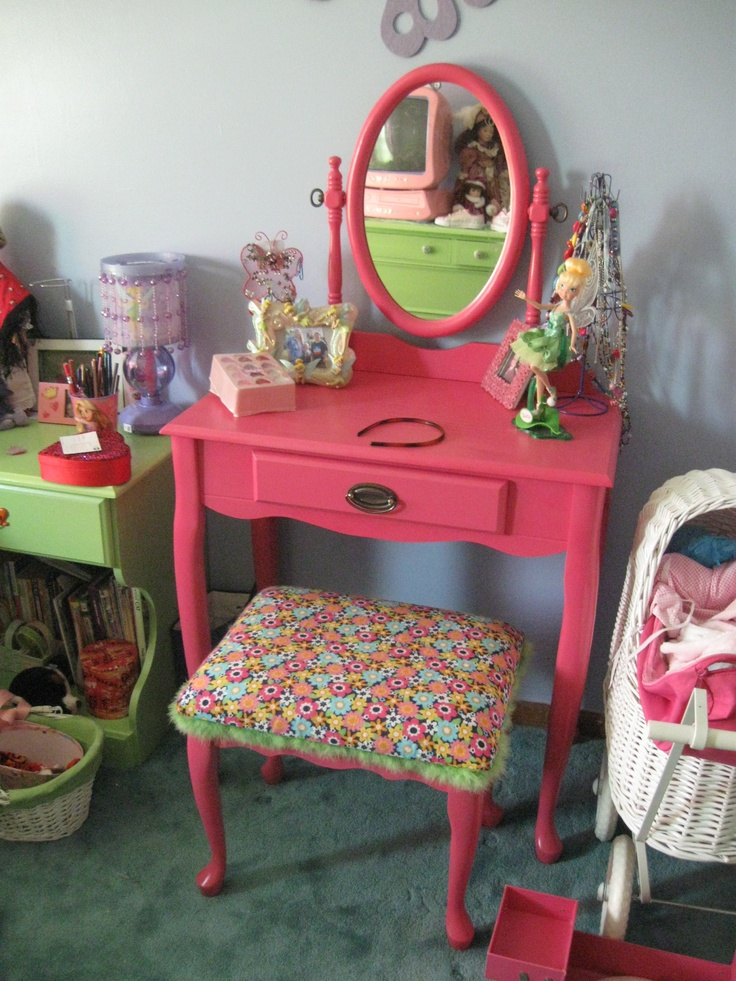 1000 ideas about refurbished vanity on pinterest for Furniture yard sale near me