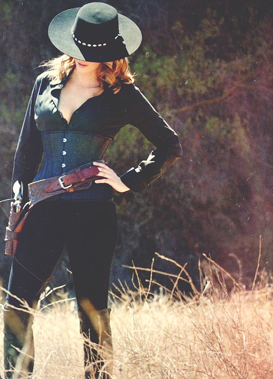 Stana Katic from Castle 7x07. Once Upon a Time in the West. So gorgeous!