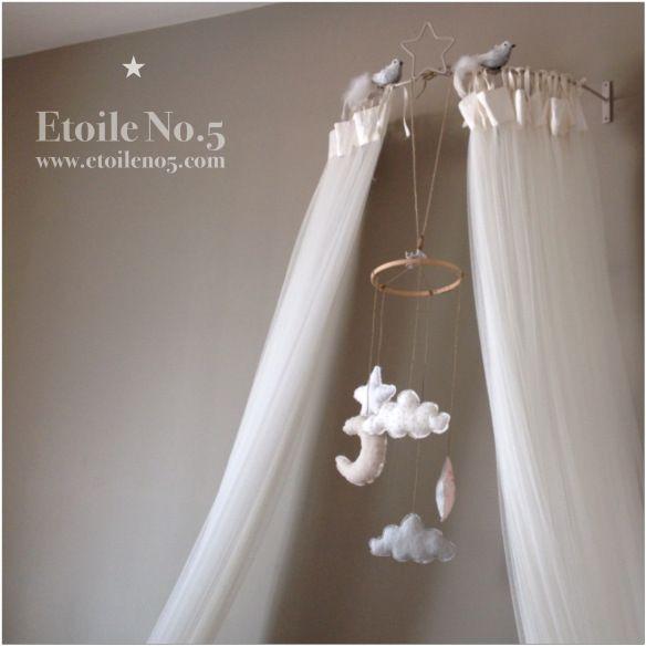 movil para cuna con estrella. Regalo bebe estrellas de Etoile No.5 www.etoileno5.com