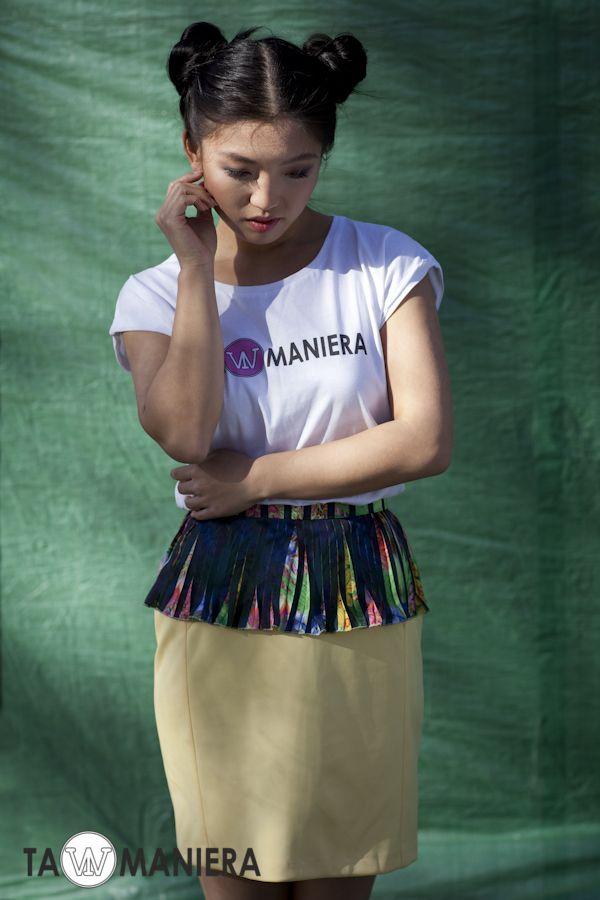 Żółta spódnica z cięciami, ołówkowa, dopasowana; z dołączoną baskinką  #spódnica #ołówkowa #elegancka #modna #dopasowana #wiosna #lato #moda #fashion #baskinka
