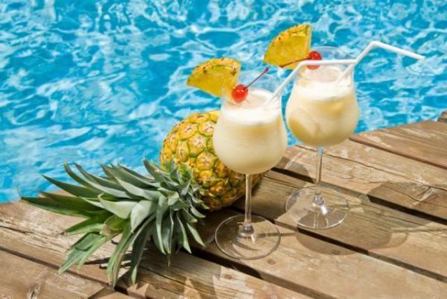 Διαβάστε τη συνταγή για Pina Colada, και απολαύστε αυτό το μοναδικό Cocktail όπως σας αρέσει, είτε frozen,είτε χτυπημένη στο shaker.