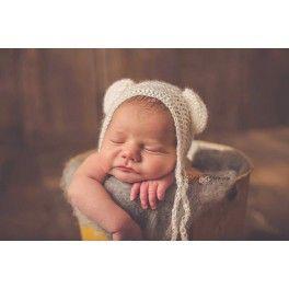 Gorrito bebé osito. Delicado y suave gorrito confeccionado en mohair de alta calidad. Sólo talla recién nacido. Look tierno e infantil.