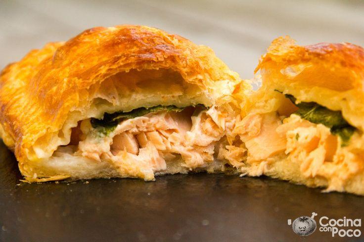 El salmón en hojaldre es una variedad del solomillo wellington, famoso plato elaborado con solomillo y hojaldre. Hay muchas recetas y maneras de prepararlo, a mi me gusta usar solo queso de untar y…