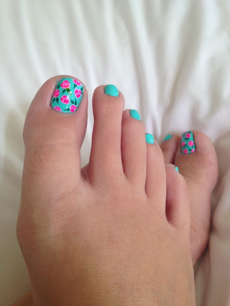 hot pink pedicure ideas