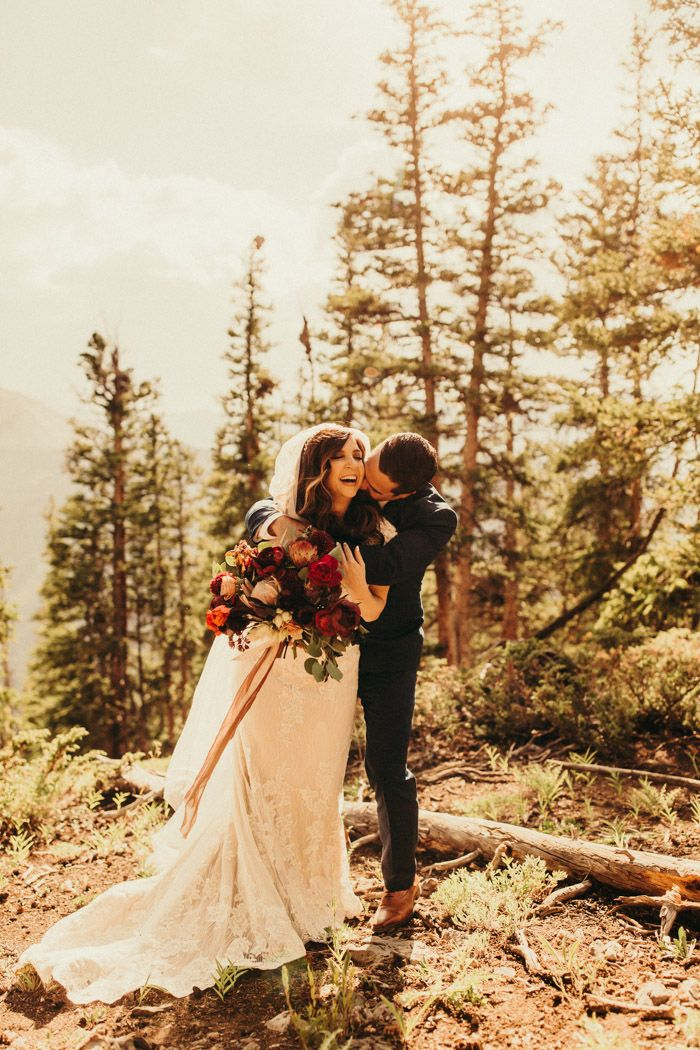 This Aspen Marriage ceremony at The Smith Cabin Honored the Couple's Love of the Nice Outside