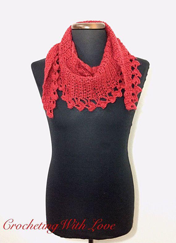 Guarda questo articolo nel mio negozio Etsy https://www.etsy.com/it/listing/213832607/elegante-sciarpa-donna-rossa-in-filato