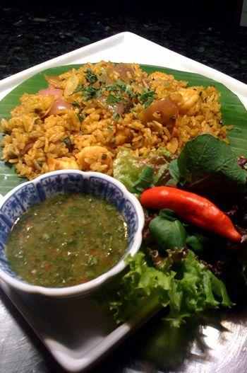 TAILÂNDIA: Receita de arroz jasmim com camarões, curry e molho de ervas picante