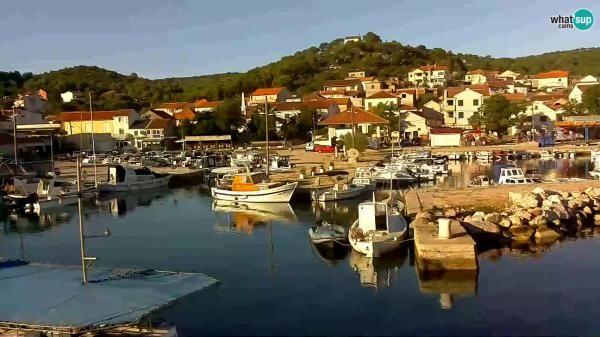 Webcam Tkon - marina and city