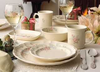 This delicate and graceful Tea Rose tableware from Pfaltzgraff is ideal for any table. Peruse their elegant selection but make sure you get your rebate ... & 67 best Pfaltzgraff images on Pinterest | Ceramica Fiesta ware and ...