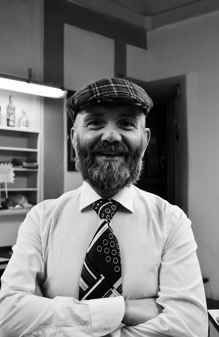 Ritratto B/N uomo con barba. Italian style. anno 2015 Ph. Isabel Zuniga