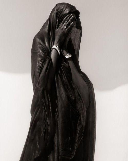 Sebastião Salgado : Dark Silence In Suburbia