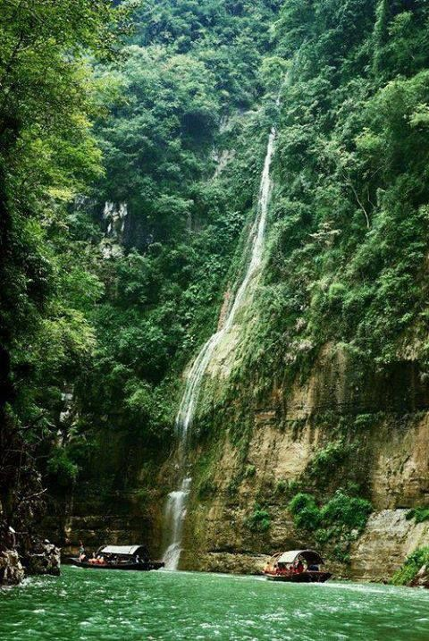 Day 7-Waterfall, Yangtze River, China.  #Liburan #Wisata #Asia  more info and reservation :021-4223838