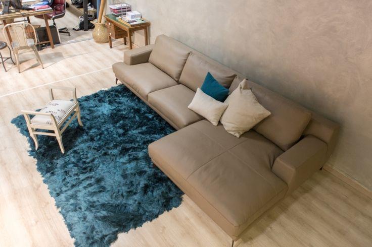 Oggi in offerta al -43% Tappeto Indikon (cm 170x240) con frange lunghe, color ottanio, per arredare la tua zona living con contrasti decisi! http://www.outletarredamento.it/tappeti/tappeto-indikon-mod-mongolia.html #tappeto #frange #tappetofrange #offerteoutlet #outletarredamento