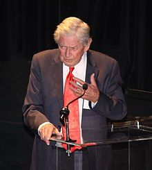 Ralph Waite Waite at the 40th anniversary of The Waltons on September 29, 2012 BornJune 22, 1928 White Plains, New York, U.S. DiedFebruary 13, 2014 (aged 85) Palm Desert, California, U.S. Cause of death Age-related illnesses NationalityAmerican OccupationActor, voice artist, and political activist