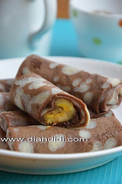 Panekuk Belang Isi Pisang Coklat Chocolate pancake within banana