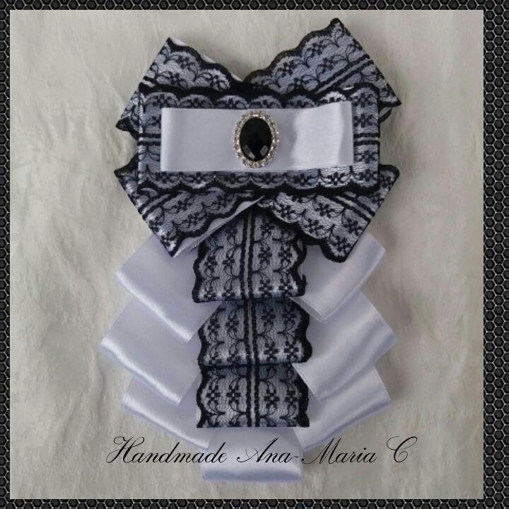 https://www.facebook.com/Handmade-Ana-Maria-C-180060929078590/
