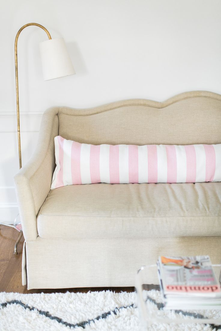 DIY Easy Extra Long Pillow Photography : Ruth Eileen Photography http://rutheileenphotography.com/
