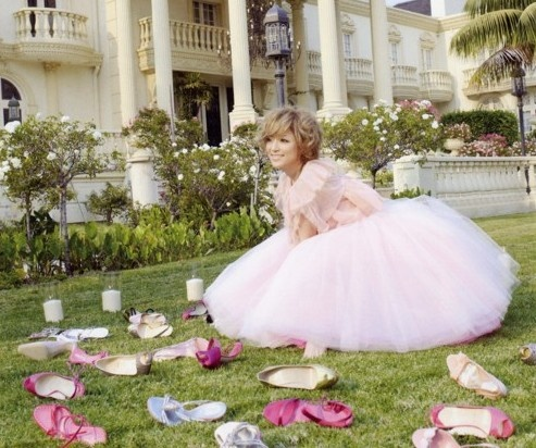 Google Image Result for http://www.femtalks.com/wp-content/uploads/2009/04/ayumi-hamasaki-shoes.jpg