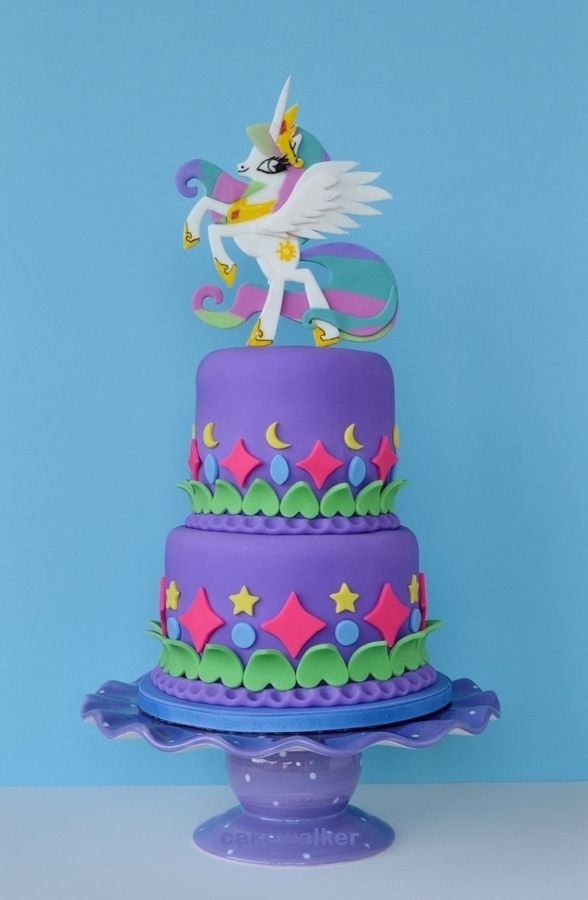 Princess Celestia is featured in this 'My Little Pony' themed birthday cake.